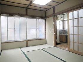 窓が大きめで、明るいお部屋です☆