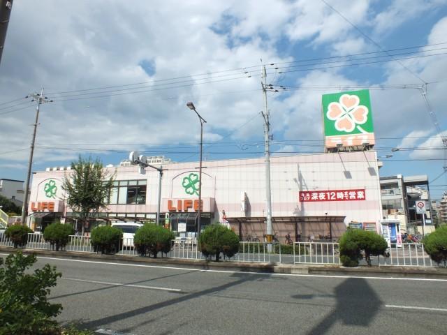 ライフ十三東店