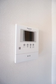 http://image.rentersnet.jp/4fcf32cb-47b7-4837-a544-2dd62648e7bd_property_picture_961_large.jpg_cap_モニター付きインターホン完備