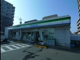 ファミリーマート枝松四丁目店