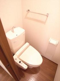 トイレにはウォシュレットも完備!!