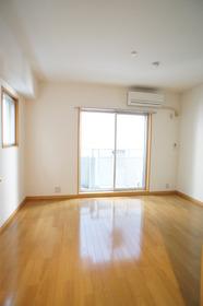 江川ホームズ 204号室