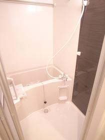 浴室乾燥機は雨の時にお風呂で洗濯物が干せちゃいます