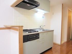 ミニカウンター付きのキッチンでスペースも充分。