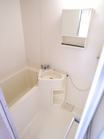 お風呂とトイレは別々~。