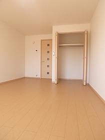 2012年築のピカピカのお部屋です☆