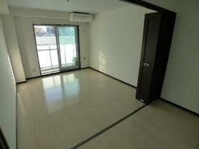 Creciente 303号室