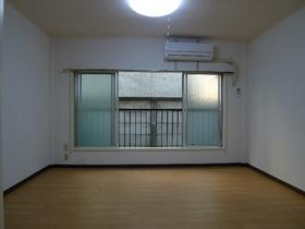秋山ハイツ 104号室