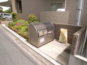 専用ゴミ置場も完備です!
