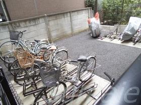 駐輪場あります!バイクもこちら!