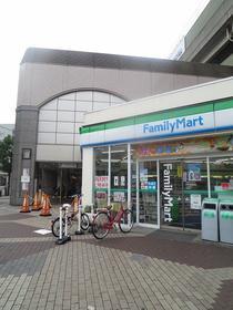 ファミリーマート近鉄布施駅前店