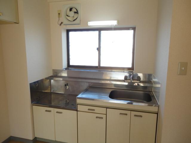 ガスコンロ設置可能なキッチン!※同タイプの室内写真
