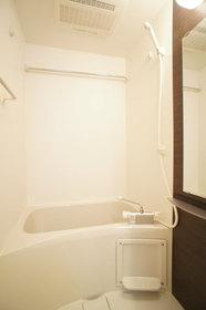 http://image.rentersnet.jp/59d087b0-4912-4e62-8333-fe80a6c3a1dc_property_picture_962_large.jpg_cap_浴室乾燥機付バス。