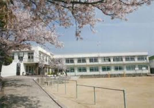私立須磨浦小学校