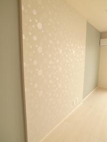 お部屋によって壁紙が変わります。