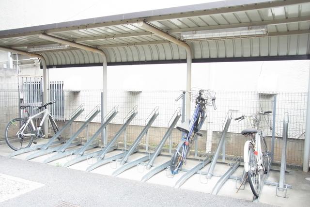 スカイコート目黒壱番館駐車場