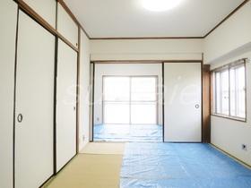 2面採光の明るい和室です☆