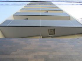 10階建ての鉄筋コンクリート造です☆