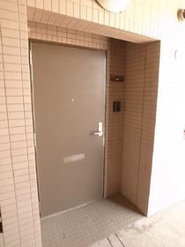 どっしりとした玄関☆