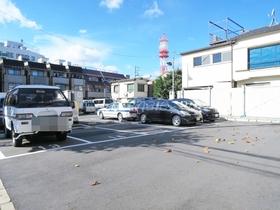 近隣の駐車場です!!