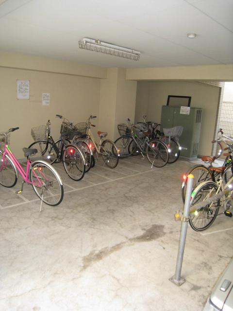 スカイコート新高円寺駐車場