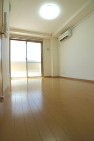 プレザント西大井 101号室