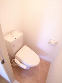 トイレにはウォシュレット完備です!!