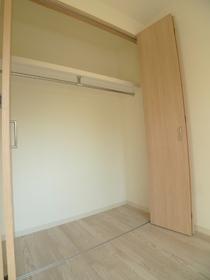 ブランドール�U 201号室