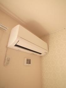 もちろんエアコンも付いてます!
