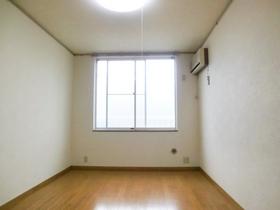 明るいフローリングのお部屋