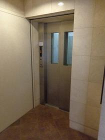 Green Court 303号室