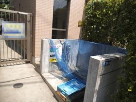 敷地内に専用ゴミ置場があります。