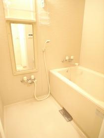 浴室も広々!気持ちいいですよ
