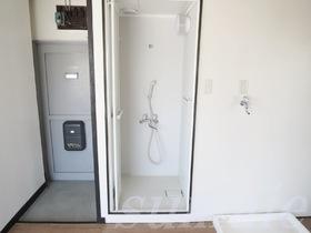 シャワールームです♪