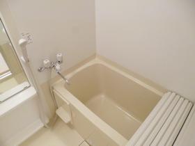清潔感のあるお風呂です