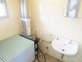 洗面台付きのバランス釜のお風呂です☆