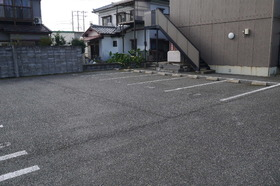 http://image.rentersnet.jp/6ceed4910ba90bd1a1b84bcd37ae8111_property_picture_2419_large.jpg_cap_駐車場