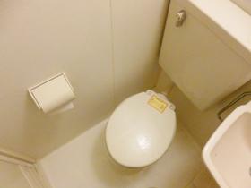 トイレはこのようになっております☆