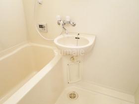 浴室に洗面台あります!!