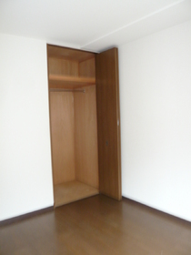 エリゼ伍番館 101号室