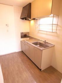 独立型キッチンは匂いが部屋に付きません。