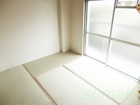 静かな住宅街にたたずむ内装リフォーム済みのお部屋です☆