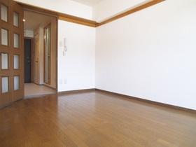 シンプルな造りのお部屋!