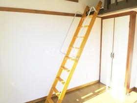 ロフトに上がる階段です☆