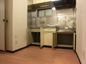 キッチンスペース広めで料理を作りたくなります。