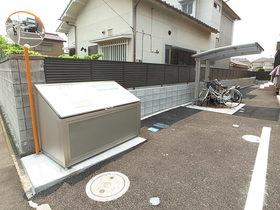 ゴミ捨て場も敷地内