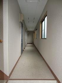 http://image.rentersnet.jp/78d157daae71c0fab2793c96da895a70_property_picture_2419_large.jpg_cap_エントランス
