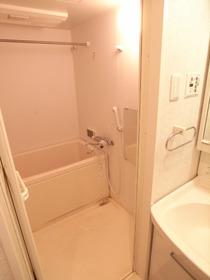 浴室乾燥機、ミニTV付きのステキなお風呂♪