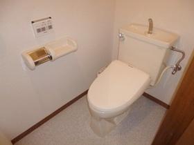 ゆったりしたトイレです。