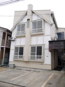 http://image.rentersnet.jp/79876e53ade69f7f7ea9ed47da875742_property_picture_957_large.jpg_cap_お洒落な外観。紫竹山エリアまでも自転車ですぐ!